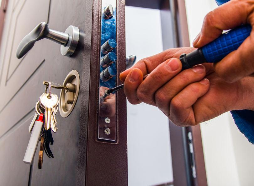 ¿Qué precio tiene abrir una puerta con RIGAU?